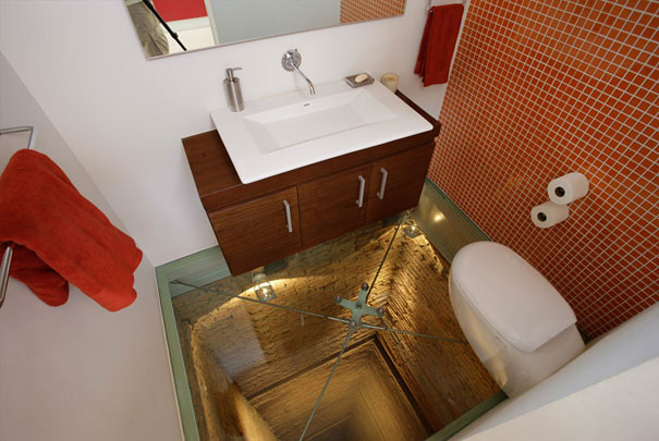14095569401474 bathroom elevator shaft glass floor hernandez silva 3 This glass floor bathroom sits atop 15 story elevator shaft! Scary!