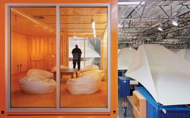 14095584397477 desktop 1406831273 These cool office designs can make even the dullest task fun!