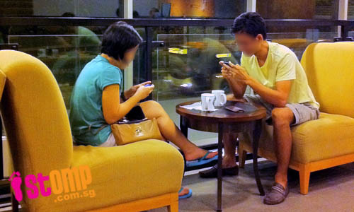 14095585196987 society16 Using Smartphones? This May Look Innocent, But Its probably Worse Than You Think