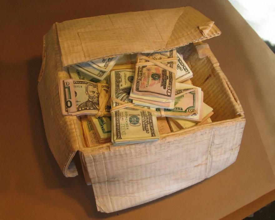 14095586387123 realistic wood sculptures box of cash randall rosenthal 8 How Randall Rosenthal Turned Some Wood Into A Box Full Of Cash