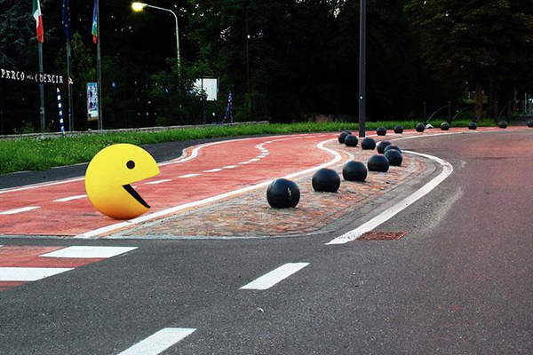 14095591133542 street art3 Surreal 3D street art that you cannot just look at once. A second look is guaranteed!