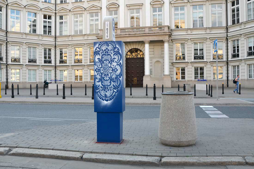 14095591924085 crochet lace street art nespoon 15 Intricate Lace design on Poland city streets will leave you spellbound!
