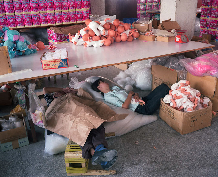 14095617317004 chinese factory workers toys 18 A pack of headless bodies? These images do a great job of stirring the ignorant souls