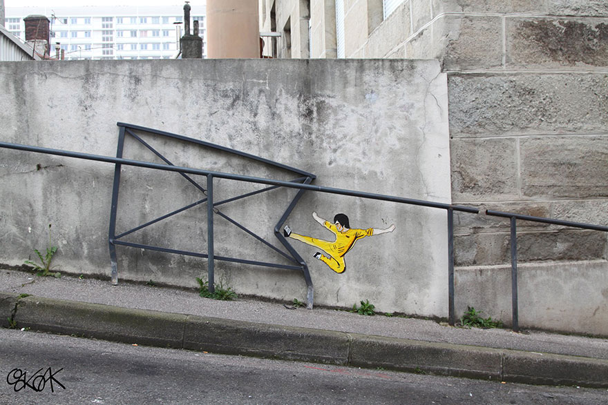 14100588858842 creative street art oakoak 2 7 Fabulous Street Art that will make you AWESTRUCK!