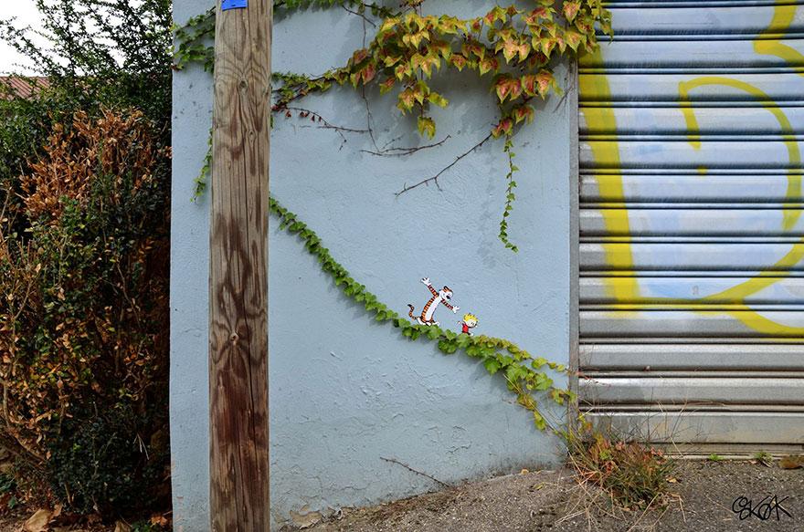 14100588947601 creative street art oakoak 2 16 Fabulous Street Art that will make you AWESTRUCK!