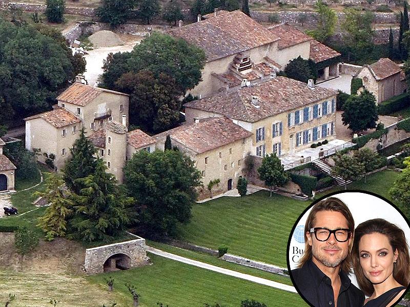 Brangelina wedding6 Brad Pitt and Angelina Jolie Wedding Photos Finally Revealed