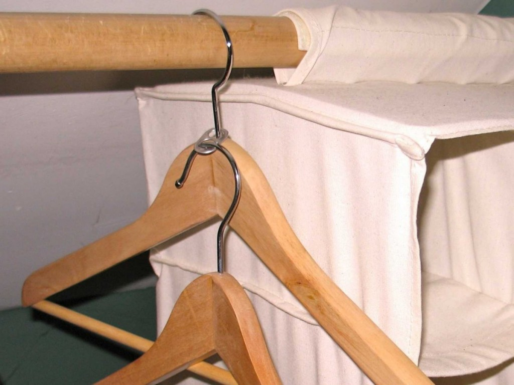 20 life changing dorm hacks for back to school 6 12 Easy and Cheap Dorm Room Hacks