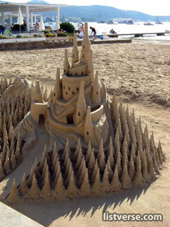 92 hol1 20 Beautiful Sandcastles Youd Want To See Next Summer