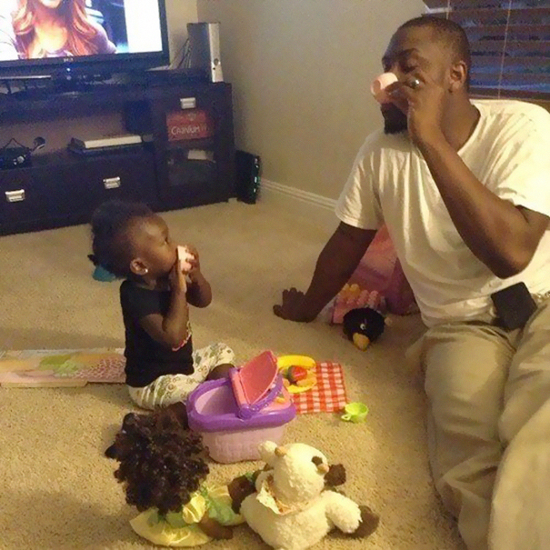 fatherhood youre doing it right 15 guys that get it 4 10 Dads Who Are Doing Fatherhood Correctly