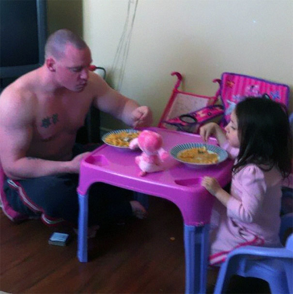 fatherhood youre doing it right 15 guys that get it 7 10 Dads Who Are Doing Fatherhood Correctly