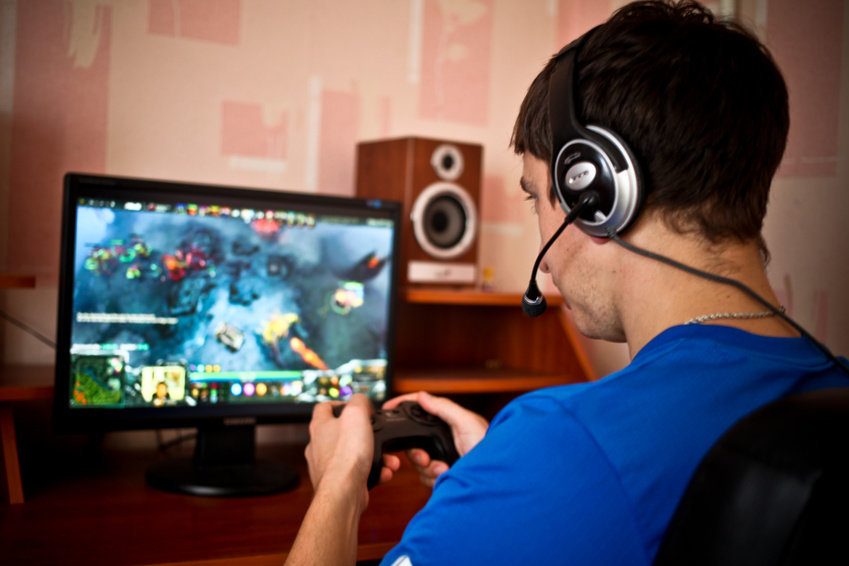 get paid to play video games 11 Fast ways to make money online easily